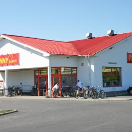 I'm looking for investors for a Hungarian grocery store chain